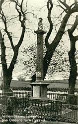 Willemoes-monumentet på Odden Kirkegård. Klik for større billede